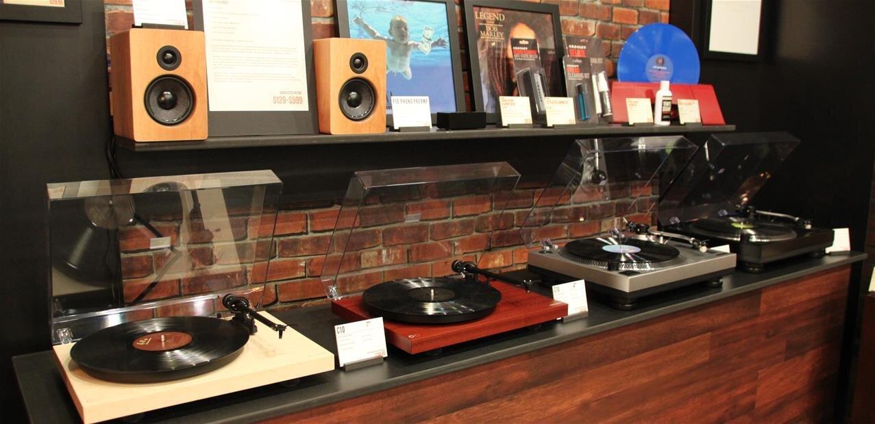 Les platines vinylesreviennent en force, sur fond de nostalgie
