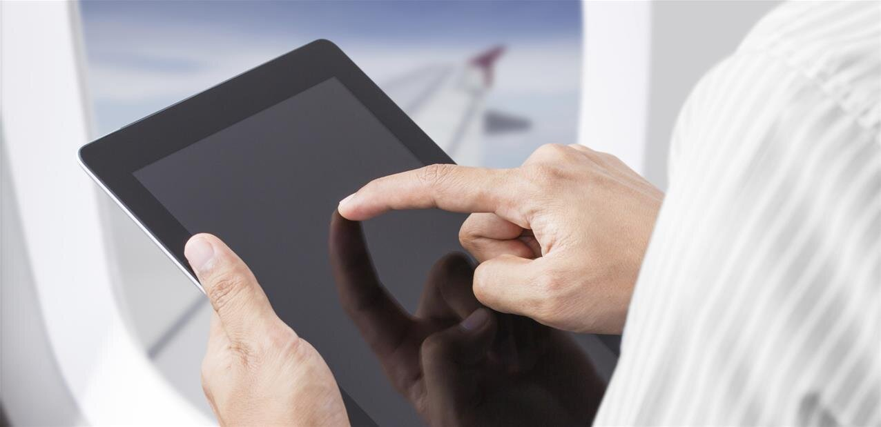 Wi-Fi dans les avions : Thales et SES veulent passer « du modem àla fibre »